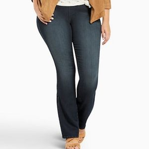 NWT Torrid Dark Wash Slim Boot Lean Jeans 4X Short